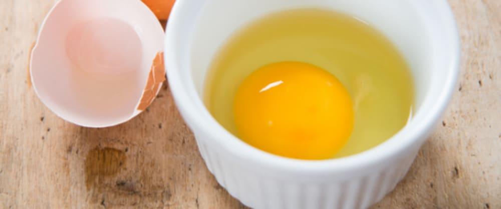 تخم مرغ در پیاله رمکین